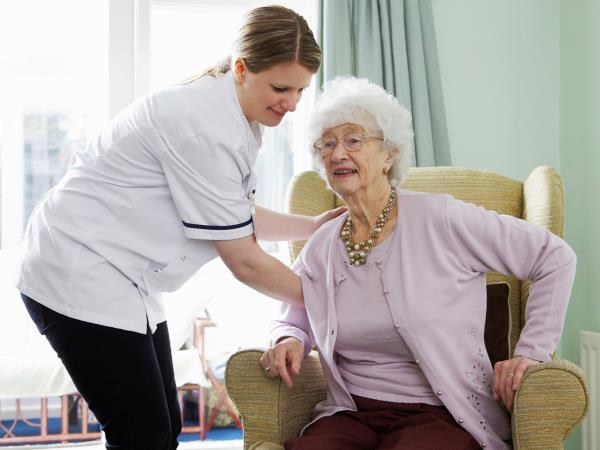 Assistenza di base ad anziani autosufficienti e non