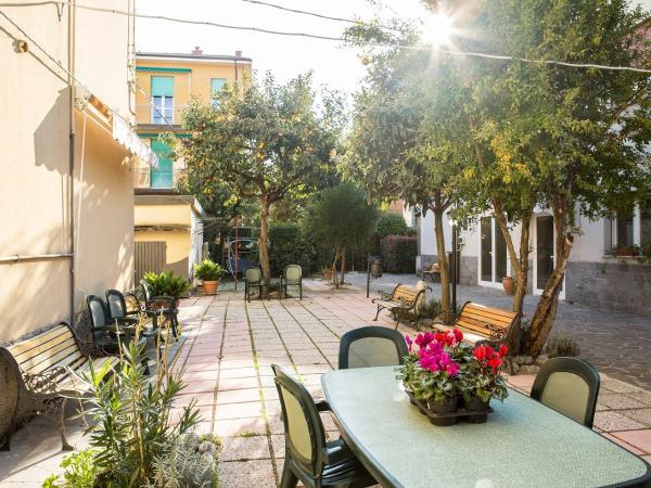Residenza anziani con giardino