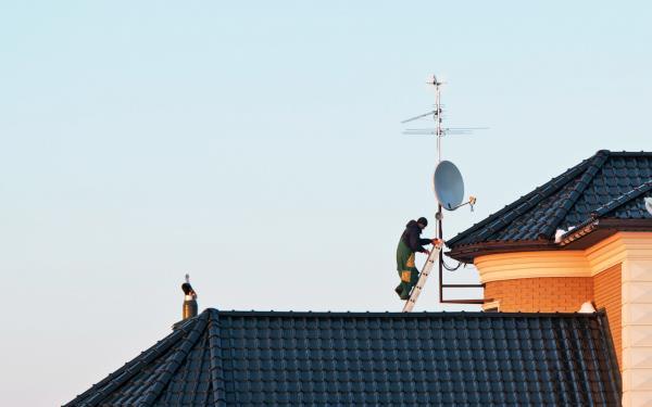 Riviantonio installazione antenne TV
