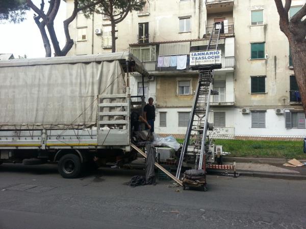 Servizio trasloco con deposito merci