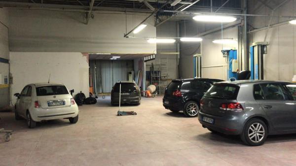 Controllo dei freni e della meccanica auto