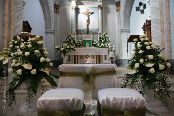 Addobbo altare matrimonio