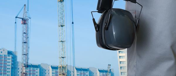 Smontaggio ponteggi lavori edili