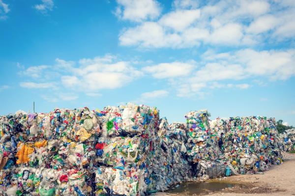 Riciclaggio di rifiuti civili