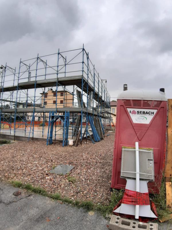 Installazione ponteggi di proprietà per la realizzazione di una casa