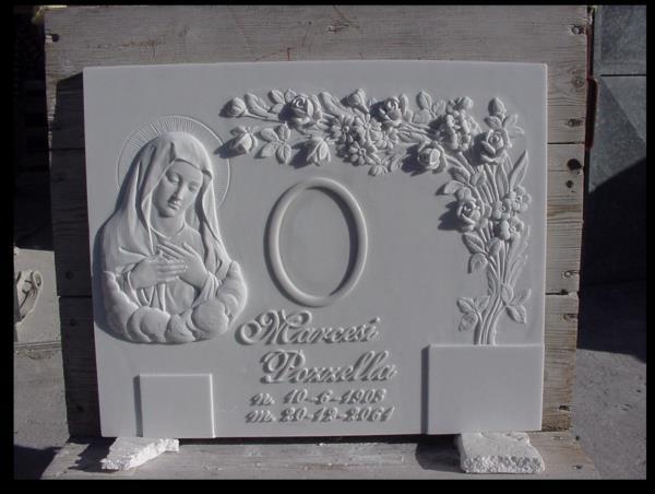 Lapide rettangolare lavorazione del marmo Pietrasanta Lucca