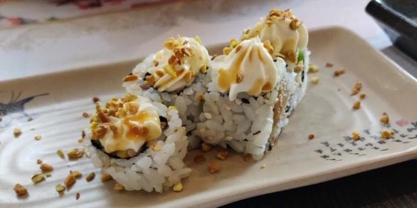 Cucina e titolare ristorante orientale Zen Sushi & Asian Cuisine