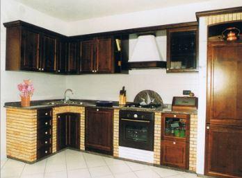 Cucine in pietra e legno