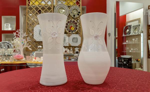 Distribuzione vasi in vetro a castel volturno
