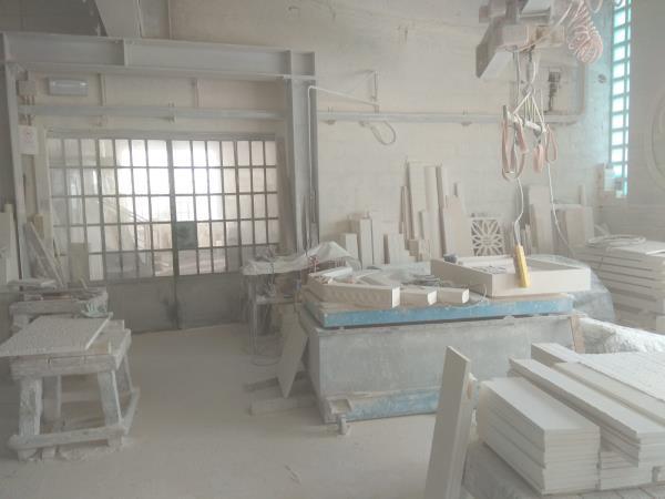 Laboratorio di lavorazione della pietra bianca