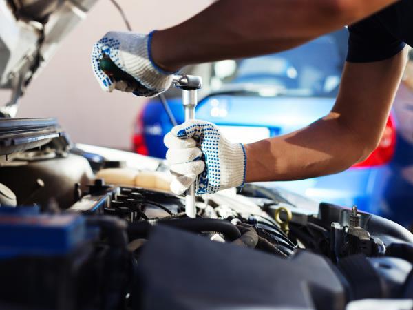 Revisione motore auto