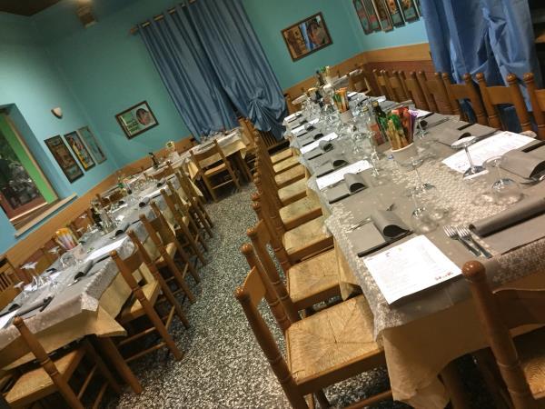 sala interna specialità culinarie ristorante pizzeria Alla Tappa a Muggia