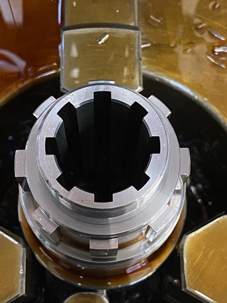 particolare lavorazione pezzo meccanico Officina meccanica FV Castenaso Bologna