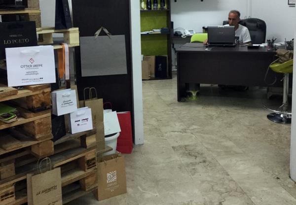 Shopper per negozi con brand