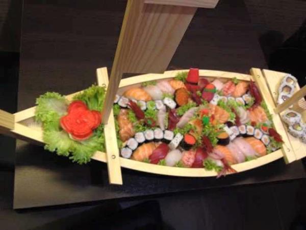 Sushi e sashimi misto a scelta