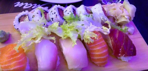 Nigiri sushi misto