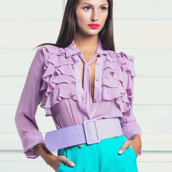 Camicia lilla con balze