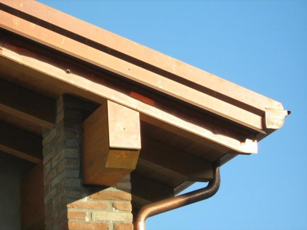 Rifiniture in lamiera per tetti a Parma
