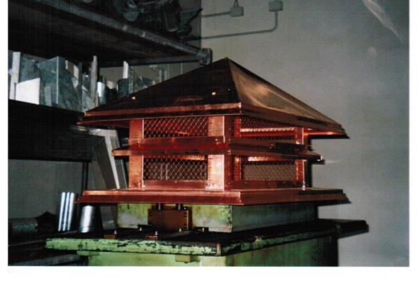 Montaggio di pannelli metallici di copertura