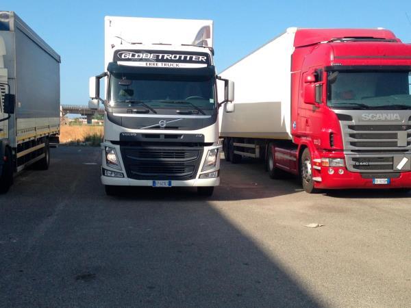 movimentazione internazionale merci a Crotone