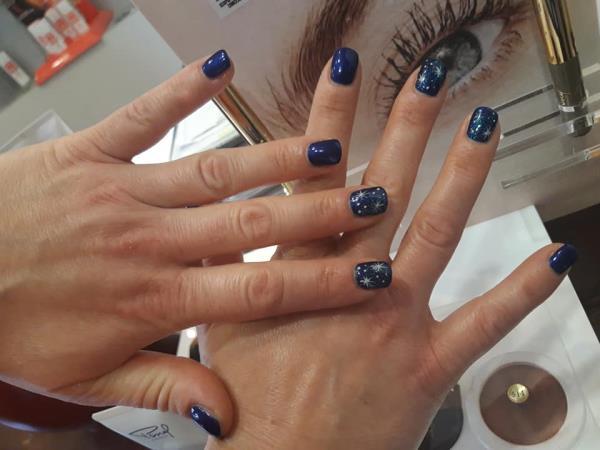 Manicure a Chiaravalle