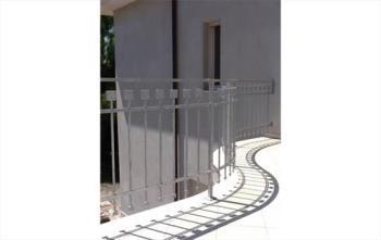 Balcone in ferro lavorato zincato