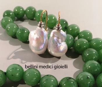 Orecchini pendenti con perle coltivate