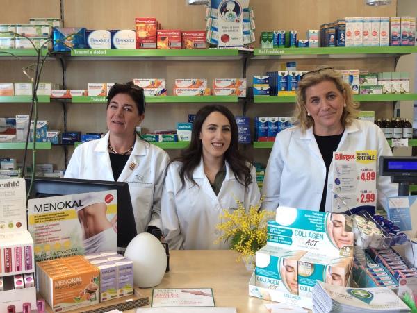 Accoglienza clienti Farmacia Nuova Brianza