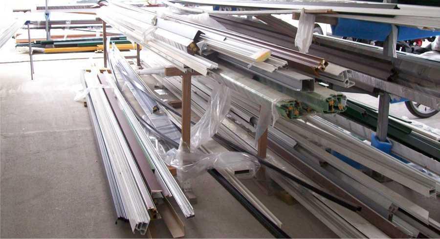 Lavorazione Produzione ed Assemblaggio PVC Imperia Savona Costa Azzurra | SERALL SERRAMENTI