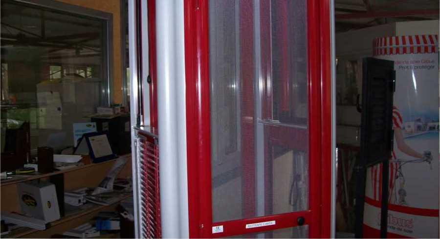 Vendita ed Installazione Tende Tecniche Tende a Rullo Tende per Interni Zanzariere Imperia Savona Costa Azzurra | SERALL