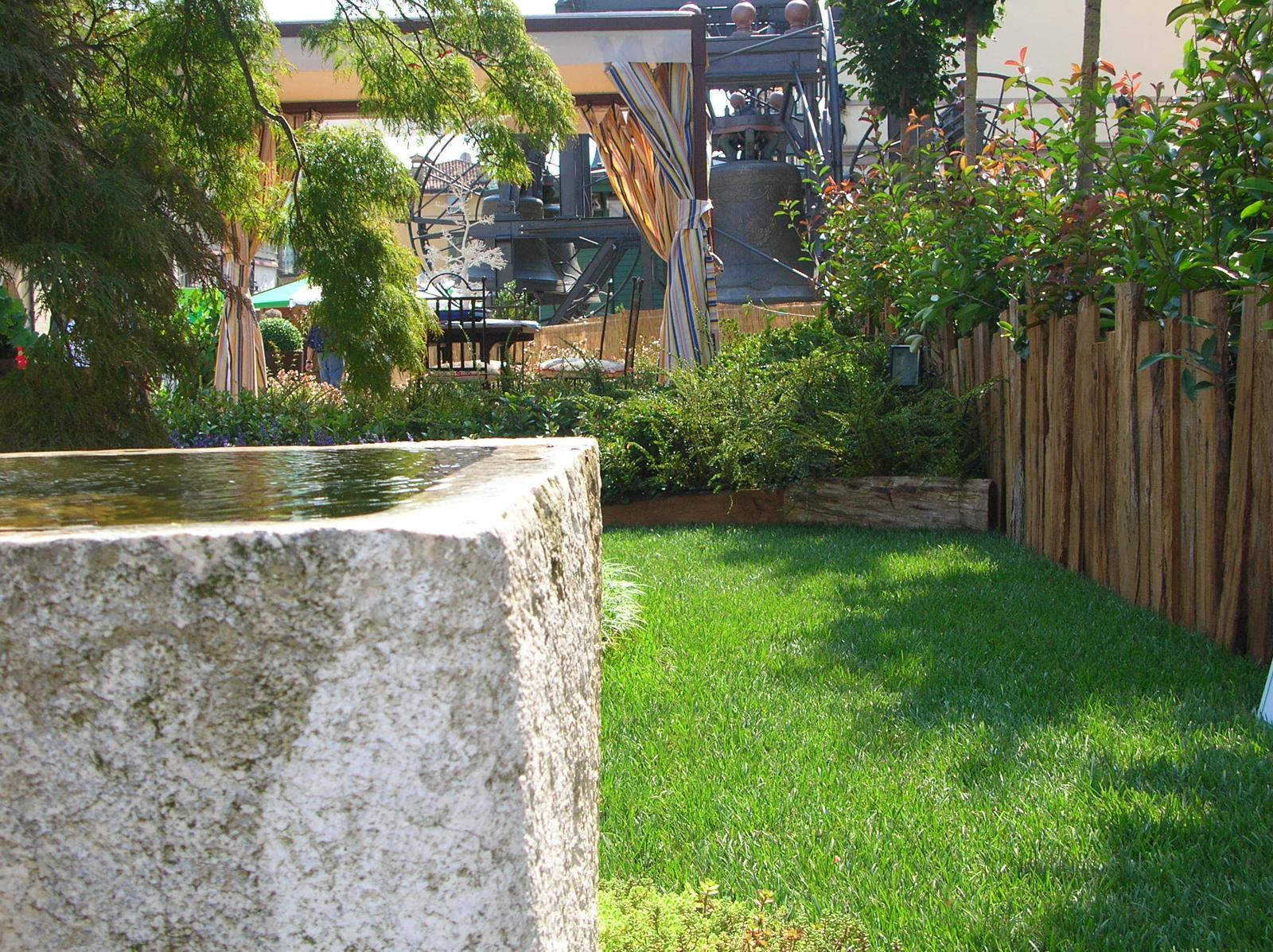 realizzazione giardini pubblici e privati, completi di impianti di irrigazione brescia
