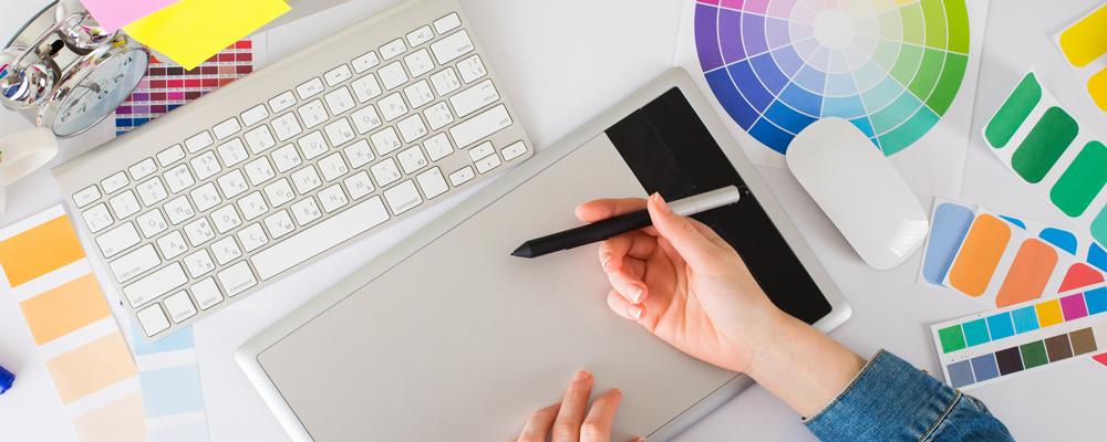 Progettazione grafica etichette e stampa in digitale offset a caldo serigrafica e braille