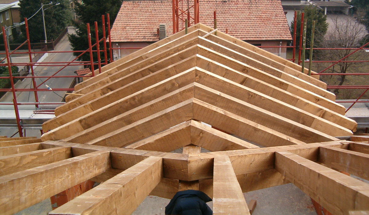 realizzazione tetti e solette in legno Como