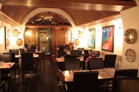 speciality Roman restaurant Piazza di Spagna Rome centre