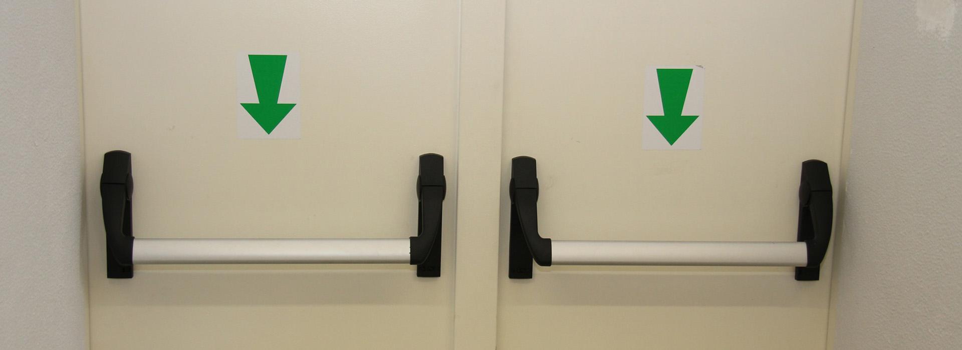 Montaggio maniglioni antipanico