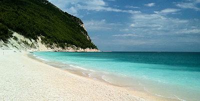 Spiaggia San Michele Sirolo Ancona