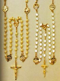 Rosaires en vente à Rome et en ligne