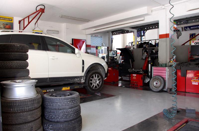 officina con vettura sostitutiva Pesaro Urbino
