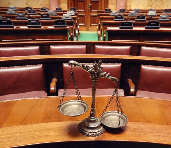 avvocato civilista e penalista Tolentino MC