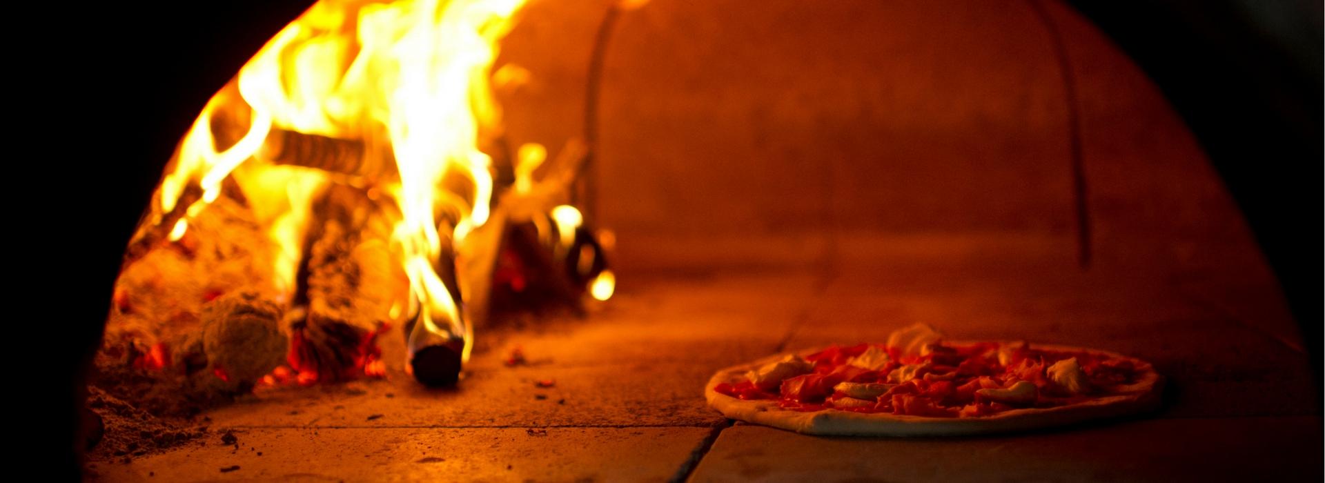 pizza cotta a legna arezzo