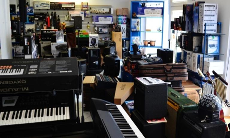 negozio accessori musicali Potenza Picena