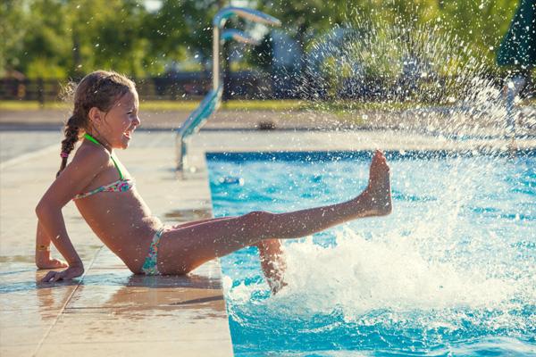 piscine a skimmer parma