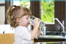 acqua senza additivi chimici