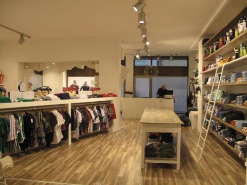 arredamenti negozi di abbigliamento a Macerata
