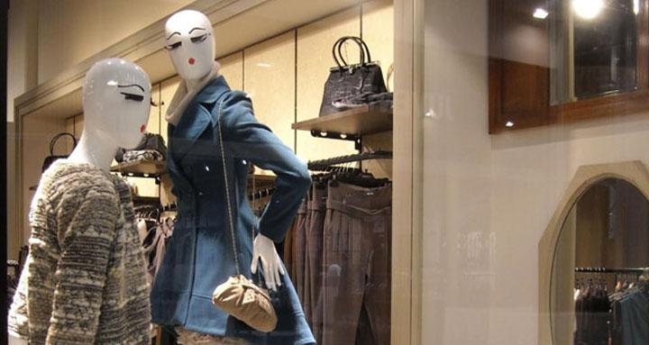 vestiti su negozio di fiona