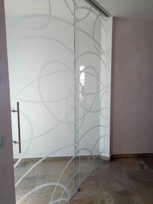 decorazioni su vetro macerata