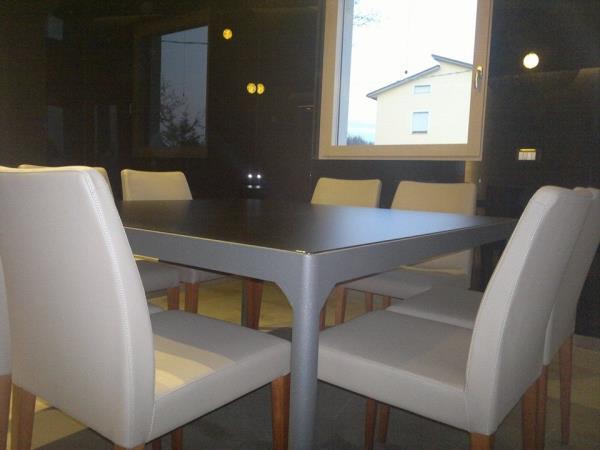 tavoli in vetro su misura macerata