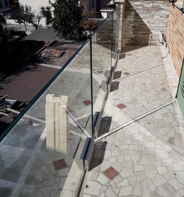 ringhiere per esterno ed interno in vetro macerata