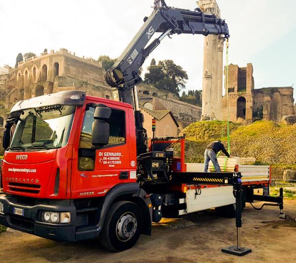 camion con gru di gennaro nicola roma