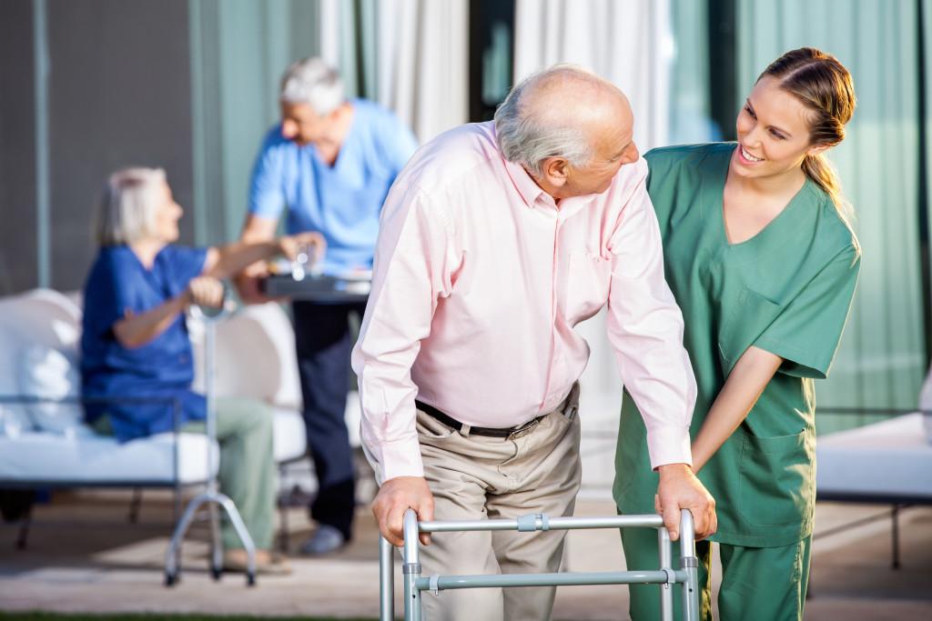 Personale assistenza anziani